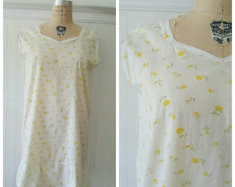 Vintage 50s babydoll nightgown, yellow & white buttercup print PJ'S, floral print sleepwear,cotton pyjamas,size M/L