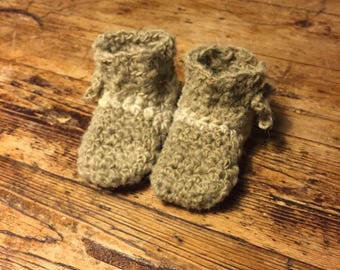GiesKus 100% handspun sheep wool crochet baby-crib-booties