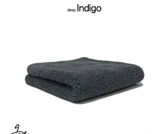 "Natural dyed towel with ""Natural polyphenol Indigo"""