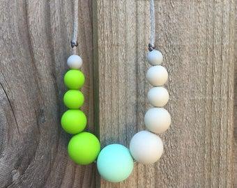 silicone teething necklace / nursing necklace /sensory necklace baby gift