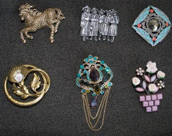 Eclectic mix of 6 brooches