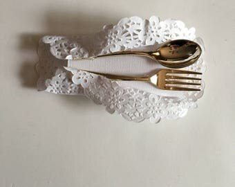 party favor, hostess gift, chocolate favor, plastic utensils, wedding accessories, chocolate, gold, doillies