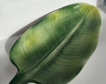 Vintage ceramic leaf tray
