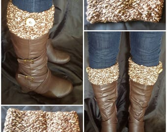 Knitted boot cuffs with wooden buttons