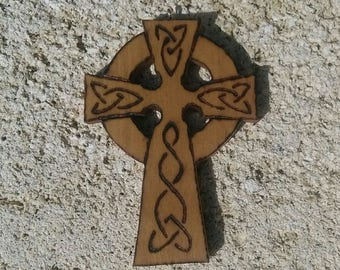 Celtic Cross (Celtic Cross) decoration in olive wood