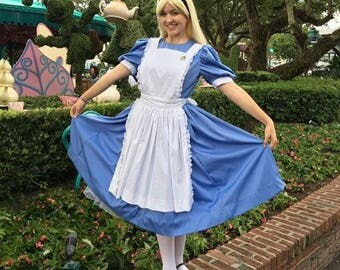 Alice in Wonderland Disney Cosplay