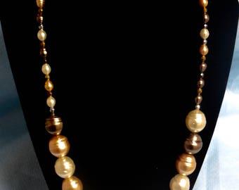 Brown pearl necklcae