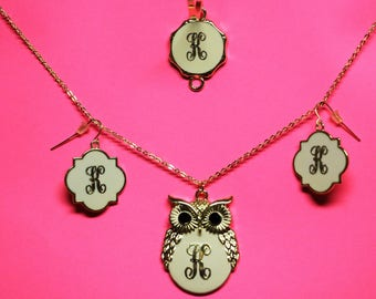 Monogrammed owl necklace in jewelry set
