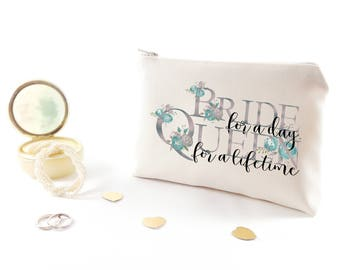 Bridal party gift under 20 Personalized bachelorette party gift Wedding toiletry bag Customized bachelorette gifts Monogram cosmetic bags