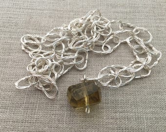 Fine Silver hand formed Oval Chain with Lemon Quartz