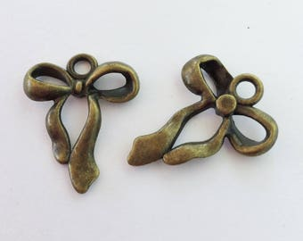 Antiqued Bronze  Bow Charms 23 x 18mm