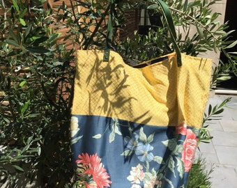 All spring thicket tote bag