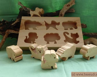 Learning puzzle with box animals