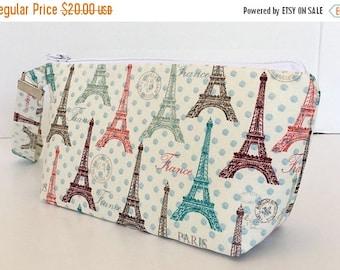 CLEARANCE wristlet,  makeup bag , cosmetic bag,Eiffel tower, Paris, , clutch purse,  zipper  pouch, deesdeezigns1 (560)