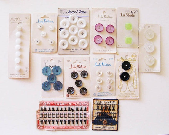 Vintage haberdashery, button cards, hooks and eyes, lot of 12 pieces