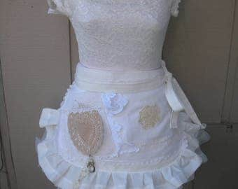 Aprons / Wedding Shower Aprons / White Lace Aprons / Shabby Chic Aprons / Cottage Chic Aprons / Creme Lace Aprons / Annies Attic Aprons