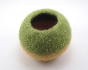 Felted wool bowl - round bowl - wool felt - avocado and yellow
