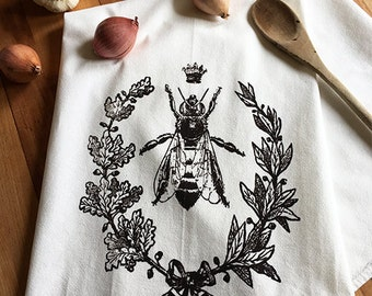 Queen Bee Dish Towel, Hand Printed Tea Towel,  Mothers Day Gift, Hostess Gift, Teachers Gift, Dark Brown/black Ink,  Soft Cotton