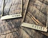 Resist Necklace Golden
