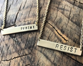 Resist Necklace Golden