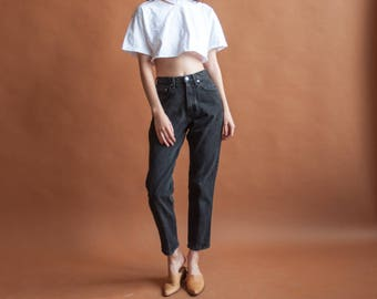 high rise black tapered jeans / high waist jeans / classic fit 80s jeans / 25 w / 2505t / B10