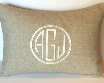 CIRCLE MONOGRAM Pillow Cover. Natural LINEN 12 x 16. Rustic Farmhouse Decor. Cottage Chic Pillow. Modern Shabby Chic. SewGracious.