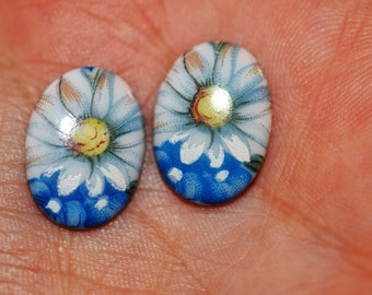 Vintage Daisy Cabochon Pairs