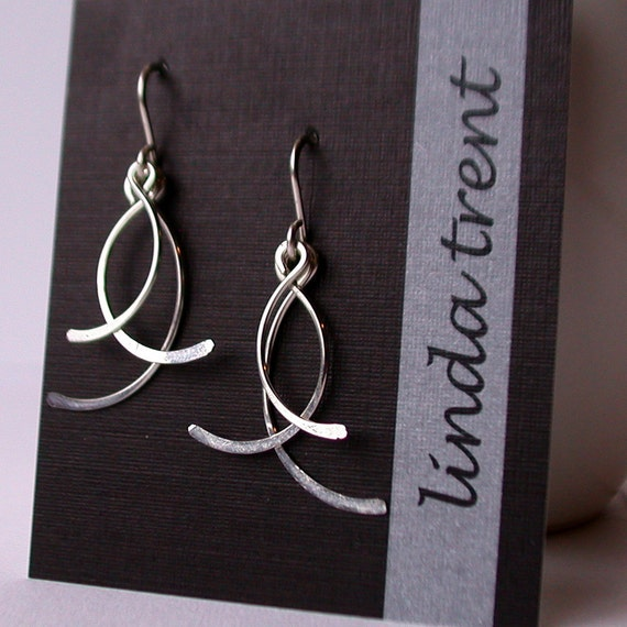 Swinging Petal Earrings