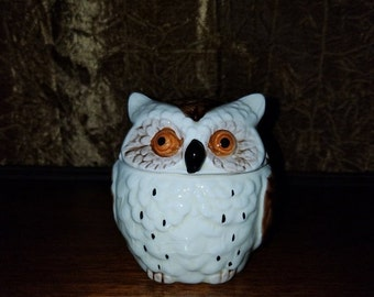 SALE Vintage 1979 1970's Owl Ceramic Sugar Bowl Figurine Container