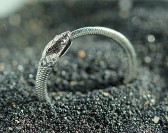 Sterling snake ring - Snake lover gift - Detailed snake jewelry - Sterling serpent ring - Serpent jewelry - Stackable sterling ring
