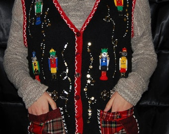 Christmas sweater vest nutcracker buttons Ramie Cotton 90s embellished holiday vest