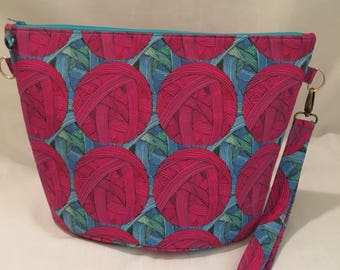 Zippopotamus - sweater sized zipper project bag