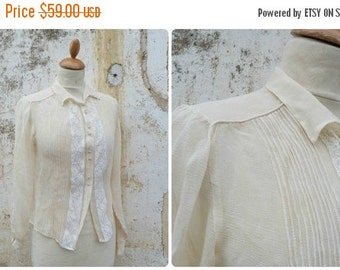ON SALE 20% Vintage  1920/1930 French cream silk chiffon blouse with lace  size S/m