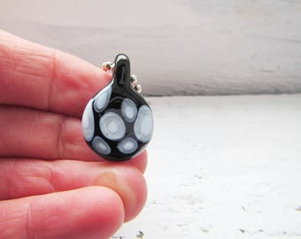 Petit Black and White Minimalist Glass Necklace
