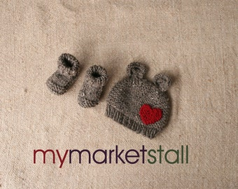 Brown Bear Hat w/Valentines Day Heart and Optional Matching Booties/Newborn or 1-3 Months/Brown Tweed/Ready to Ship
