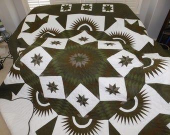 Handmade, Amish Made, King Size - Diamond Star Quilt