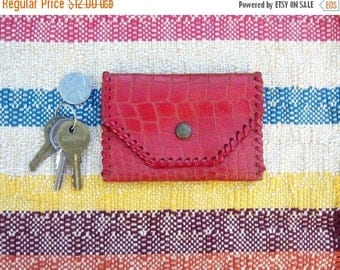 """40% SALE Vintage red leather coin purse / alligator embossed, brass snap, punch stitched / gift shop kitsch, souvenir, 4"""""""