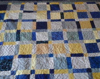 Queen size blue, yellow and gray quilt