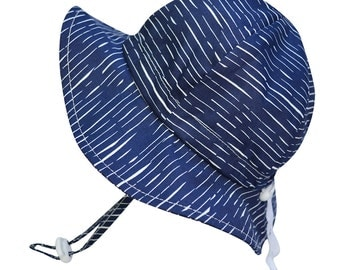 Kids Sun Hat with Chin Strap, Drawstring Adjust Head Size, Breathable 50+ UPF (Navy Waves)