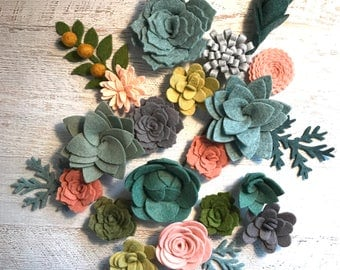 Wool Felt Succulents and Felt Flowers - 18 Flowers & 4 leaves - Blush Pink - Create Headbands, DIY Wreaths, Garland, Vertical Garden