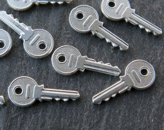 Sterling Silver Sterling Silver Key Charm 14mm (CG9000)