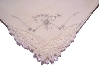 Vintage Emroidered Handkerchief with Lace