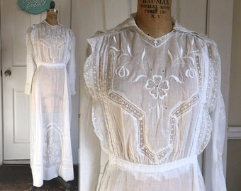 "30"" Waist Cotton Batiste Clover Lace Antique Edwardian Lawn Gown Dress Long Sleeve Wedding Church Nun Initiation Religious Cross"