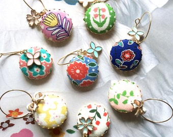 Elegant Handmade Pink Blue Green White Yellow Summer Floral Flowers Fabric Button Party Christmas Gold Wine Charms