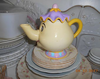 Vintage Disney Beauty and the Beast Mrs Potts Hard Plastic Teapot Toy eyes move
