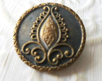 Vintage Buttons - 1 Collector molded brass large Victorian filigree inset flower design, (mar 331 17)
