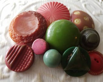 Vintage Buttons - Cottage chic mix of deep pink and green lot of 10 large, old and sweet(mar 267 17)