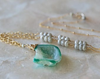 Green Druzy Necklace, Geode Necklace, Green Geode Necklace, Gold Necklace, Long Necklace, Druzy Necklace, Crystal Necklace