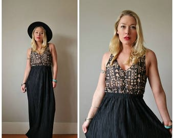 SPRING SALE 1980s Witchy Maxi Skirt >>> Size Extra Small to Small