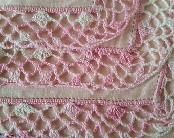 Pink Vintage Crochet Lace Hankie, pastel linen & lace